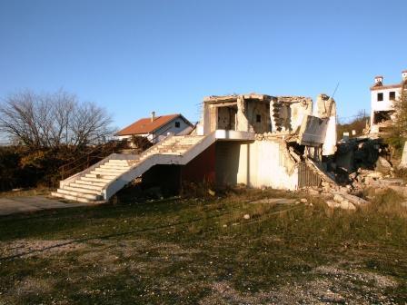 Porušena župna crkva u Domovinskom ratu